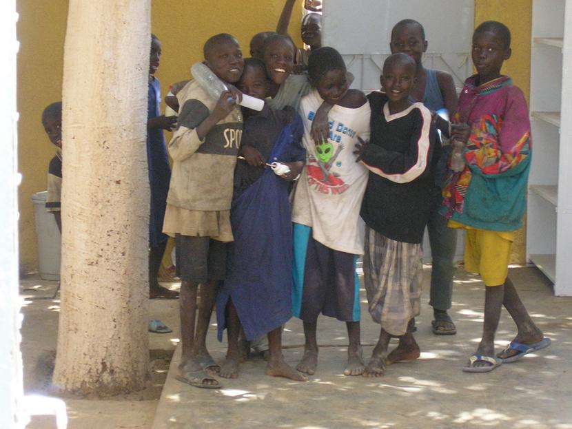 Espièglerie des enfants, malgré la précarité de leur situation